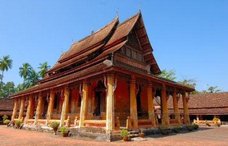 Куда поехать: Лаос