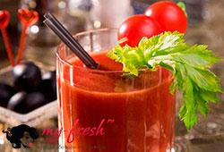 Напиток из сельдерея и помидоров.