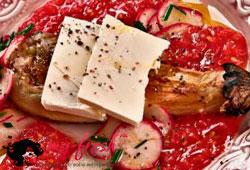 Запечённый баклажан с сыром фета.