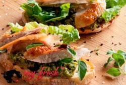 Бутерброды с цесаркой и тапенадом.
