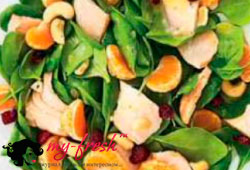 Салат с мандаринами и шпинатом.