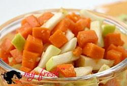 Салат тыквенно-яблочный с мёдом.