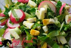 Салат из огурцов с овощным ассорти