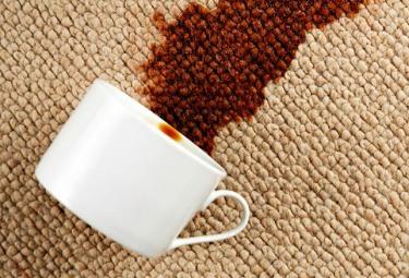 Как почистить мебель после праздников и вывести пятна