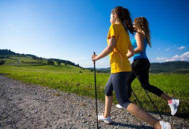 Скандинавская ходьба. История возникновения и преимущества
