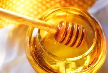 Как проверить, настоящий ли мед