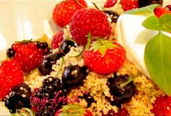 Десерт из кускуса с ягодами по-восточному