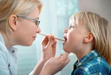 Гипертрофия миндалин — опасно ли это?